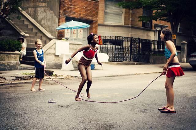 Jużci kabel w ręce taty, spieprzaj albo zbieraj baty [fot. David Salafia (Flickr)]