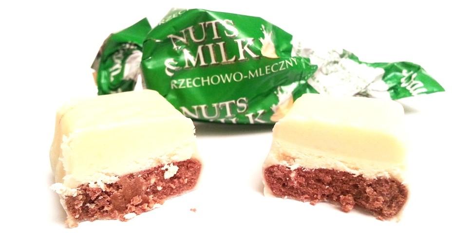 Wawel Nuts & Milk orzechowo-mleczny (1)