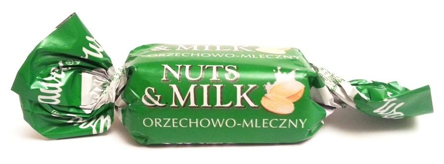Wawel Nuts & Milk orzechowo-mleczny (3)