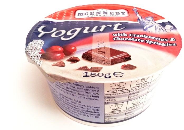 Lidl Tydzień Amerykański McEnnedy Yogurt with Cranberries and Chocolate Sprinkles żurawina czekolada (1)