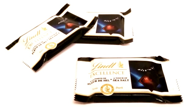 Lindt, EXCELLENCE Dark A Touch of Sea Salt miniatury (1)