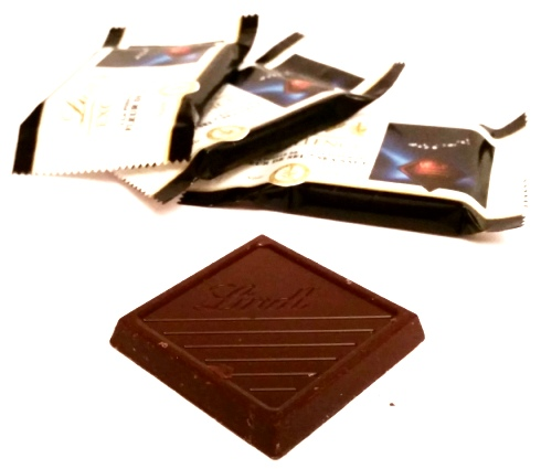 Lindt, EXCELLENCE Dark A Touch of Sea Salt miniatury (2)