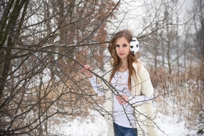 Zimowa sesja w swetrze (1)