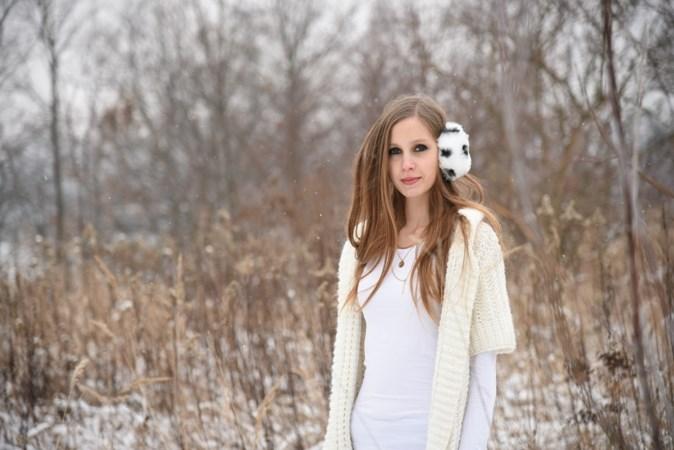 Zimowa sesja w swetrze (2)