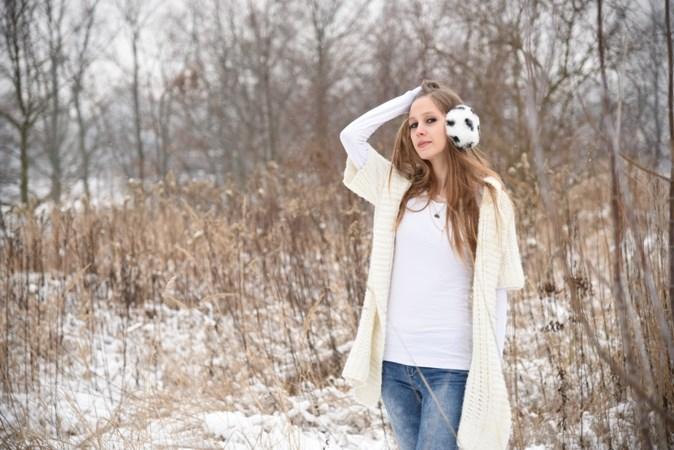Zimowa sesja w swetrze (3)