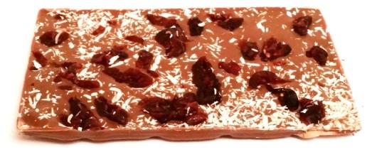 Meybona, Collage Trio Zartbitterschokolade mit Erdbeer-Pfeffer, Vollmilchschokolade mit Cranberry-Kokos, Weisse Schokolade mit Kirsch-Mohn (2)
