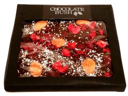 Chocolate Bush, Czekolada deserowa 70,4 kakao z wiśniami, migdałami i kokosem (1)