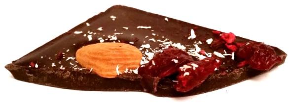 Chocolate Bush, Czekolada deserowa 70,4 kakao z wiśniami, migdałami i kokosem (5)