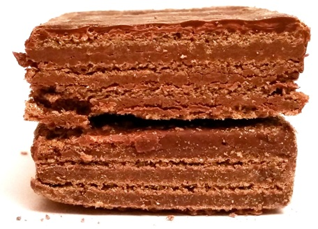 I. D. C. Polonia, Lusette Czekoladowe, kruchy wafel z kremem o smaku czekoladowym, oblany mleczną czekoladą, kuzyn Góralków, copyright Olga Kublik