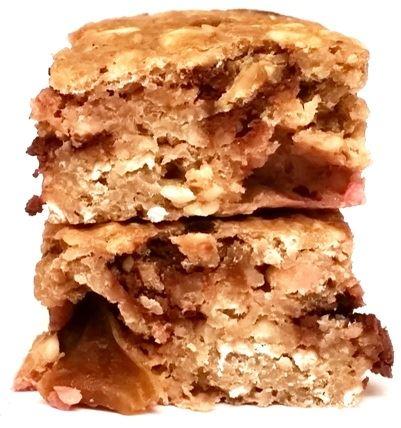 Legal Cakes, Baton Owocowo-czekoladowy, dietetyczne i zdrowe, niskokaloryczne ciasto z czekoladą, sezonowymi owocami, odżywką białkową i zbożami, copyright Olga Kublik