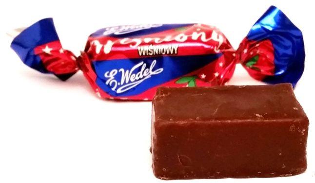 Wedel, czekoladowy cukierek z nadzieniem wiśniowym Wiśniony, Mieszanka Wedlowska, copyright Olga Kublik