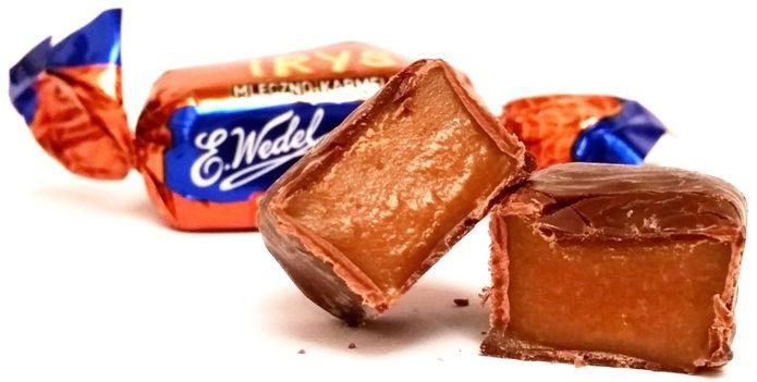Wedel, cukierek Irys z nadzieniem karmelowym w czekoladzie, Mieszanka Wedlowska, copyright Olga Kublik