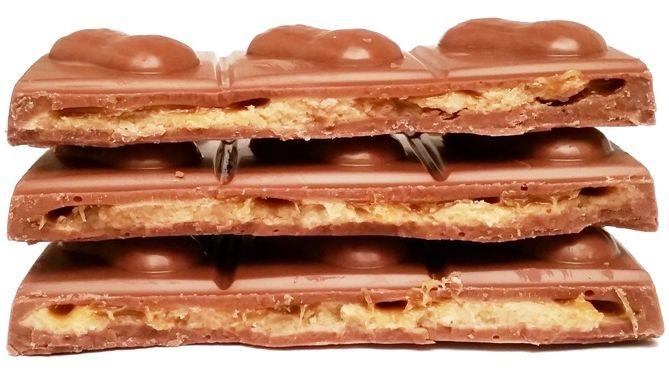 Milka, Peanut Caramel, mleczna czekolada z fistaszkami i karmelem, ale nie z masłem orzechowym, copyright Olga Kublik