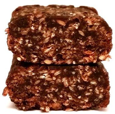 Bombus Natural Energy, Slim Snack Plum & Seeds + Chia, wegański raw bar bez glutenu o smaku śliwki, copyright Olga Kublik