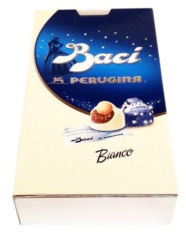 Nestle, Perugina Baci: Bianco, klasyczne, praliny z kremem i orzechami laskowymi, copyright Olga Kublik