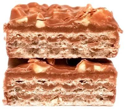 Milka, Nussini, kruchy wafel oblany mleczną czekoladą z kremem orzechowym i świeżymi orzechami laskowymi, copyright Olga Kublik