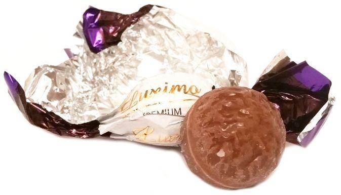 Luximo Premium, praliny czekoladowe z nadzieniem mlecznym i dżemem, copyright Olga Kublik