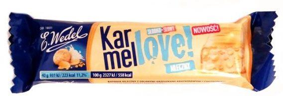 Wedel, Karmellove słodko-słony baton z nadzieniem mlecznym, orzechami, chrupkami, ciasteczkami i karmelową białą czekoladą, copyright Olga Kublik