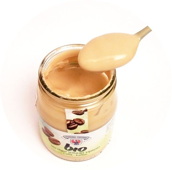 Sterzing Vipiteno, bio Sterzinger YOGURT Vipetino Caffe, kawowy jogurt ekologiczny, copyright Olga Kublik