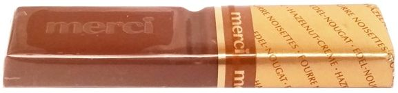Storck, Merci czerwone Hazelnut-creme czekoladka nugatowa, copyright Olga Kublik