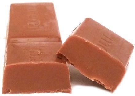 Storck, Merci czerwone Milk Chocolate czekoladka śmietankowa, copyright Olga Kublik