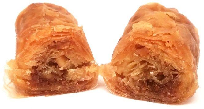 Vrettos, Snappy Baklava with Honey, bałkańskie ciastko bakława z miodem, migdałami, cynamonem i goździkami, copyright Olga Kublik