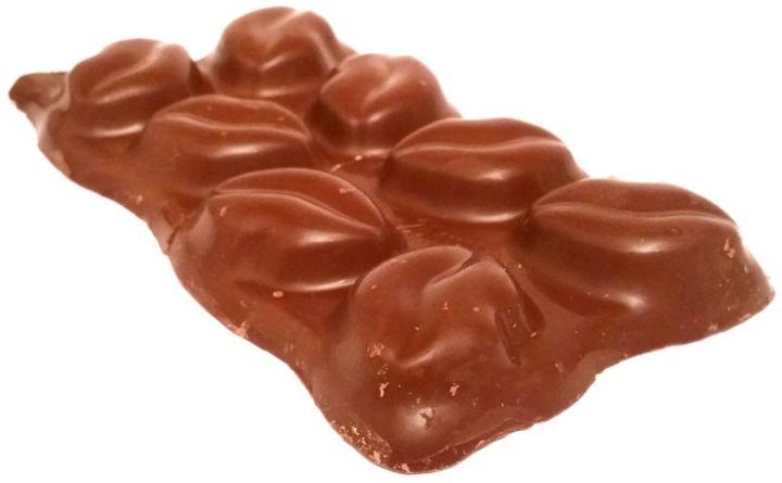 Wawel, Czekoladowe całusy Crunchy Coco, mleczna czekolada z kremem kokosowym i chrupkami ryżowymi, copyright Olga Kublik