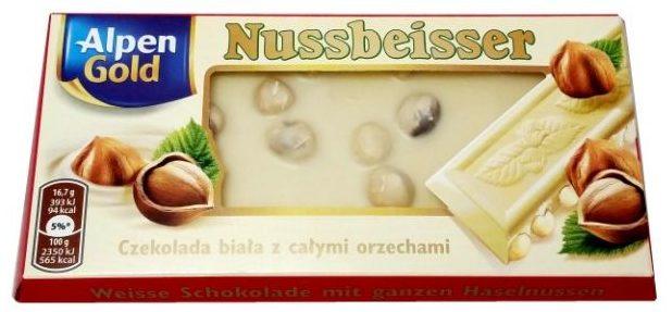 Alpen Gold, Nussbeisser Czekolada biała z całymi orzechami laskowymi, czekolada z okienkiem, copyright Olga Kublik