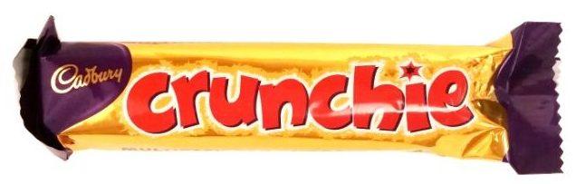 Cadbury, Crunchie, miodowy baton honeycomb oblany mleczną czekoladą, copyright Olga Kublik