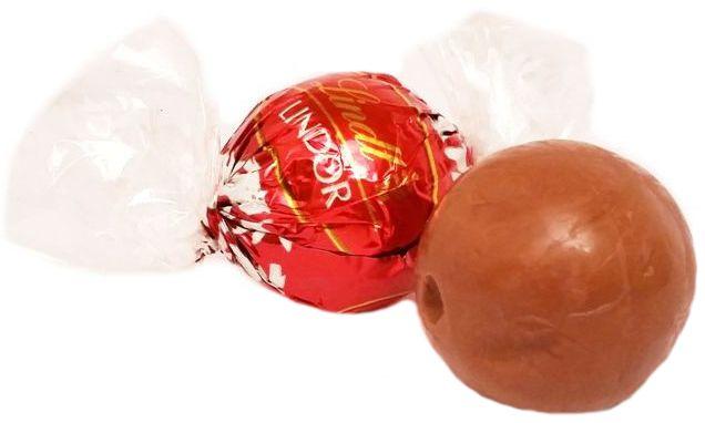 Lindt, Lindor, czekoladowe praliny z kremowy nadzieniem, copyright Olga Kublik