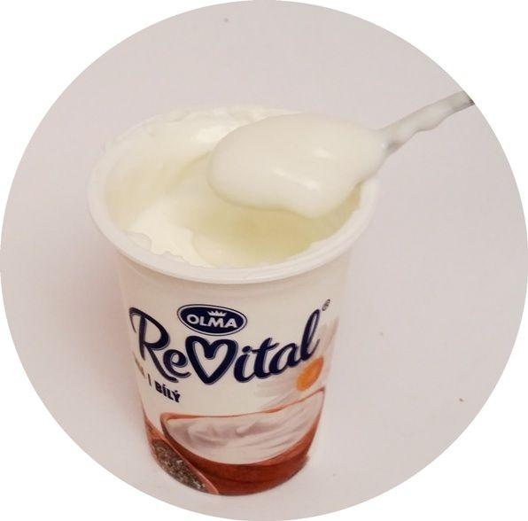 Olma, ReVital Chia Bily, jogurt naturalny z szałwią hiszpańską, copyright Olga Kublik