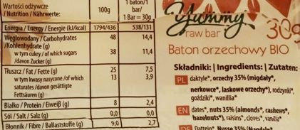 Raw and Happy, Yummy raw bar nuts, surowy wegański baton bez glutenu z orzechami, migdałami, daktylami i rodzynkami, skład i wartości odżywcze, copyright Olga Kublik