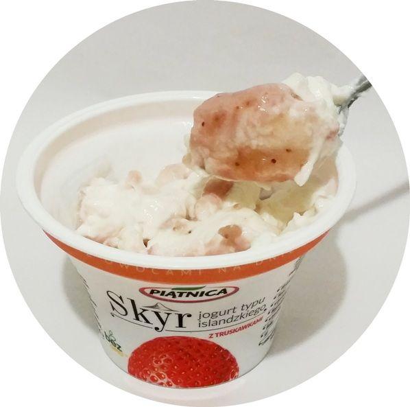 Piątnica, Skyr jogurt typu islandzkiego z truskawkami, copyright Olga Kublik