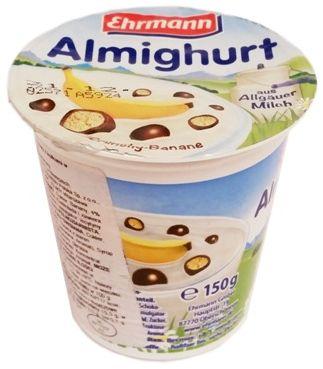 Ehrmann, Almighurt Crunchy Banane, jogurt bananowy ze zbożowymi chrupkami w czekoladowej polewie, copyright Olga Kublik