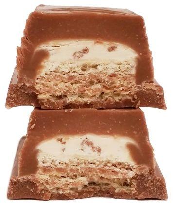 Nestle, Kit Kat Chunky Cookie, baton w mlecznej czekoladzie z nadzieniem - kremem i ciasteczkami, copyright Olga Kublik