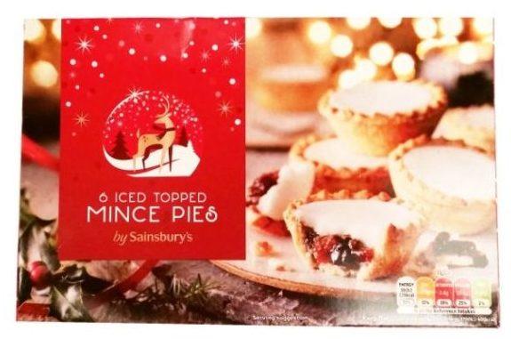 Sainsburys, Christmas Iced Topped Mince Pies, kruche babeczki z nadzieniem mincemeat i lukrem z Wielkiej Brytanii na Boże Narodzenie, copyright Olga Kublik