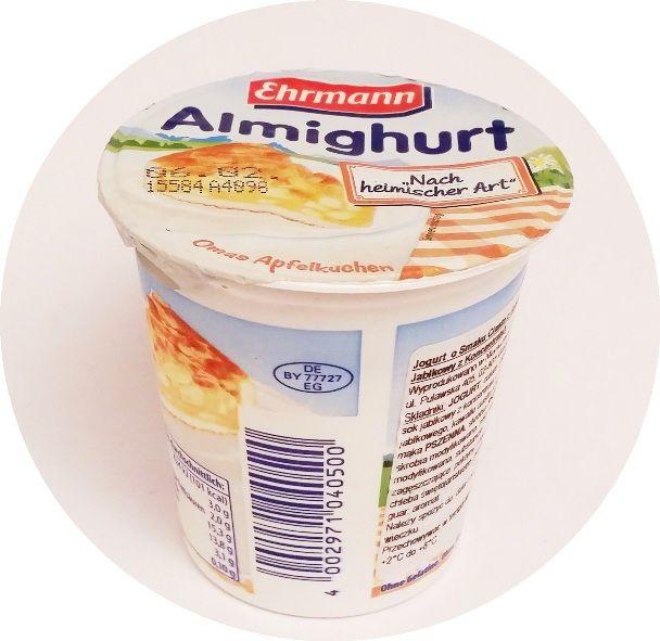 Ehrmann, Almighurt Nach heimischer Art Omas Apfelkuchen, jogurt o smaku szarlotki z jabłkami i ciasteczkami, copyright Olga Kublik