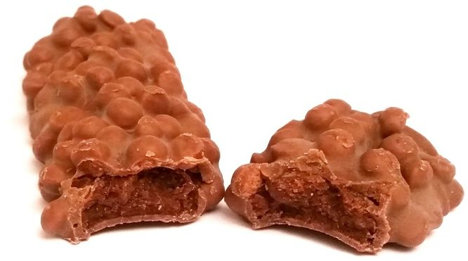 Ion, Derby, grecki baton z mleczną czekoladą, kruchymi ciasteczkami - herbatnikami i kremem o smaku nugatu oraz kakao, copyright Olga Kublik