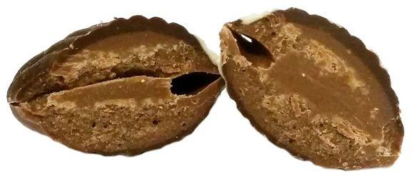 Vanden Bulcke, 20 Chocolate Seashells with hazelnut filling, bombonierka owoce morza z czekoladą mleczną i czekoladą białą z nadzieniem - kremem orzechowym, copyright Olga Kublik