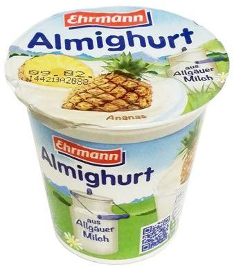 Ehrmann, jogurt Almighurt aus Allgauer Milch Ananas, copyright Olga Kublik