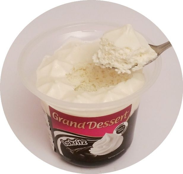 Ehrmann, Grand Dessert Lakritz, gęsty pudding budyń z bitą śmietaną o smaku lukrecji anyżu, copyright Olga Kublik