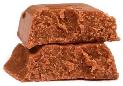 Milka, Noisette, mleczna czekolada nugtowa gianduja z orzechami laskowymi, copyright Olga Kublik