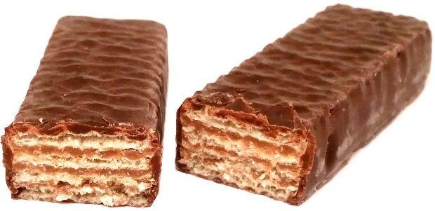 Skawa, wafelek Elitesse De luxe, klasyczny kultowy polski wafelek z kremem kakaowym oblany czekoladą, copyright Olga Kublik