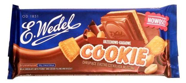 Wedel, orzechowo-kakaowe Cookie chrupiace ciastko mleczna czekolada z herbatnikiem i kremem Pierrot, copyright Olga Kublik