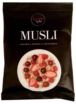 Foods by Ann, Musli owsianka malina wiśnia truskawka, copyright Olga Kublik