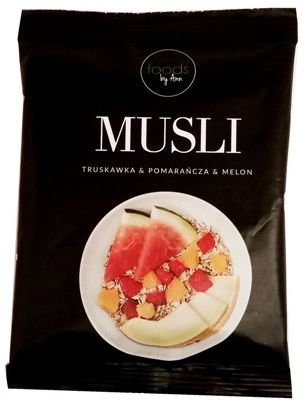 Foods by Ann, Musli owsianka truskawka pomarańcza melon, copyright Olga Kublik