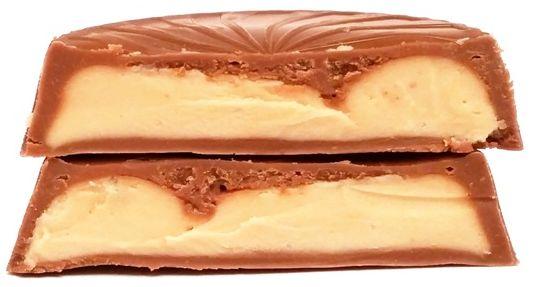 Millano-Baron, Magnetic Peanut Butter Cups with cocoa biscuits, babeczki czekoladowe z masłem orzechowym i kakaowymi ciasteczkami, słodycze z Biedronki, copyright Olga Kublik