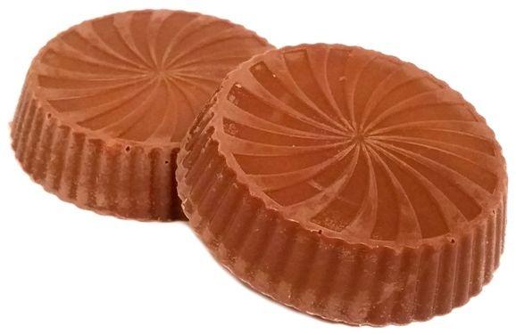 Millano-Baron, Magnetic Peanut Butter Cups with pieces of peanuts and caramel, babeczki z mlecznej czekolady z masłem orzechowym, fistaszkami i karmelem, słodycze z Biedronki, copyright Olga Kublik