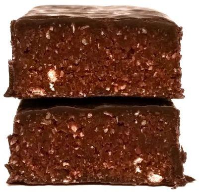 Purella Food, Ewa Chodakowska Be Raw Protein 38, wegetariański surowy baton białkowy, zdrowe słodycze z czekoladą, copyright Olga Kublik
