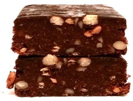 Purella Food, Enjoy Pure Superfood Raw Bar Surowe kakao Orzechy nerkowca, surowy wegański baton bez glutenu o smaku czekolady i orzechów, copyright Olga Kublik
